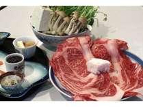すき焼きには滋賀牛、地元のお醤油、野菜、たまご