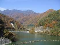 松川ダムの紅葉1