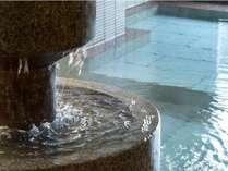 豊富な源泉量は片山津温泉随一!たっぷりと源泉の恵みをお楽しみください。