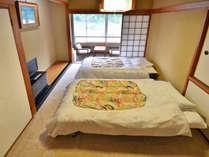 訳あり(山側)6畳にベッドを設置しました。