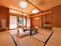 *和室12.5畳(客室一例)/畳の香りがほのかに薫るお部屋で、団欒のひと時をお過ごし下さい。