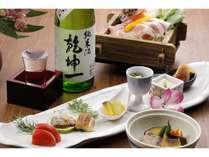 美味い地酒と共に旬の味覚を満喫できます。