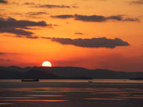 ★眺望★ゆっくりと沈んでいく夕陽