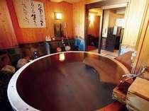貸切檜風呂で温泉を二人〆。ゆっくり語らいの時間を♪♪(もちろん温泉です!)