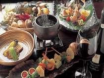 メニューは2ヶ月ごとに変更。その時期の美味しい道産食材を使った和食コースをご用意!(料理イメージ)