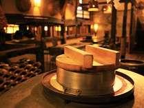 お食事処「壺中天」では釜炊きのご飯をご用意します。