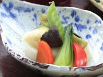旬と手作りにこだわった料理は化学調味料を使いません。地元北海道の美味しい食材をどうぞ!