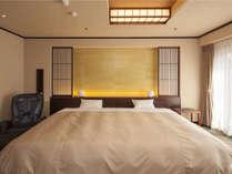 【7階特別フロア:ハリウッドツイン/723号室】2つのベッドを密着させて一見ダブルベッドのような見た目