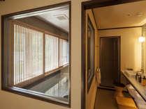 【7階特別フロア:温泉付デラックスツイン/703号室】客室内の展望温泉