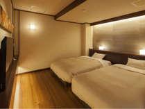 【7階特別フロア:温泉付デラックスツイン/702号室】ベッドルーム