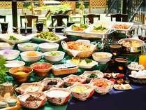 朝食は約30種類の和洋バイキング!※お日にちによって和食膳での対応になります