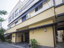 EntranceView 旅館外観(南から)