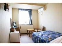 【セミダブルシングルルーム】お部屋によりまして間取りが若干違いますことご了承ください。