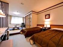 【和洋室】ゆったりと足を伸ばせる和室スペースもあり、のんびりお寛ぎいただけます。