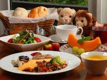 手作り「ふわふわパン」の美味しい洋朝食で1日のスタートを応援します。