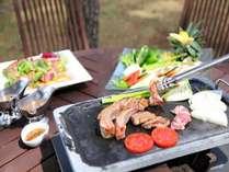 【夕食】テラスBBQ/併設するレストランでも用いる厳選した食材で贅沢BBQ♪