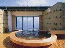 空と海の中に溶け込む絶景の露天風呂!貸切可(要予約)