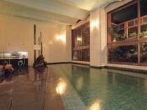 24時間源泉かけ流しの大浴場「弘法の湯」