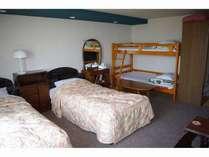 2号室(写真は部屋の1例ですのでお泊りは他の部屋になる場合が多くございますのでご注意ください。)