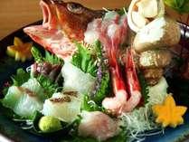 人気の日本海まるかじりプラン、お造りのイメージです。(2名様盛り)