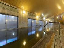 濾過しただけで水道水を加えていない天然温泉です。