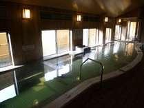 地下1500メートルから湧き出す温泉です。