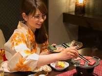 美味しい食事は旅の醍醐味!あなたはゆったり部屋食派?楽しく会場食派?