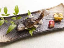 四季替わり会席・春【雅の膳】岩魚の化粧焼き