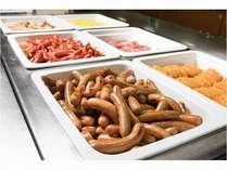 元気の源は朝食から始まります。たくさん食ベてカモシー満喫
