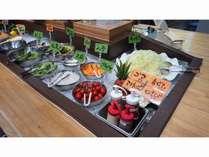 新鮮な生野菜を使用した野菜コーナーです!