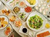 【フェリエ~朝食】色鮮やかに並ぶメニューの数々♪お好きな物をご自由に・・・☆