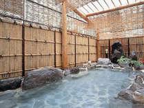 【男性露天岩風呂】風情ある岩風呂で白濁の湯をお楽しみください