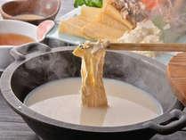 【湯波懐石】日光名物の湯波はヘルシーな逸品!なめらかな食感が魅力!