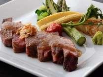 柔らかく程良い甘みが堪能できる国産黒毛和牛のステーキ!