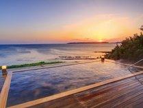 露天風呂から眺める夕日は西長門リゾートだけの絶景。
