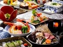 極上地魚会席 館主自ら市場へ出向き、時期最良の地魚を仕入れております。当館自慢の料理をご提供します。