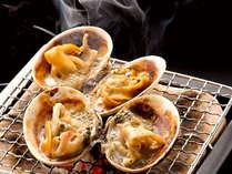 「大あさり付き お糸路プラン」直火で焼き始めると貝から出る汁と醤油で、豊かな磯の香りが♪