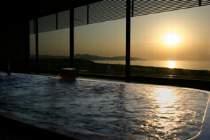 展望浴場から夕日を眺める…
