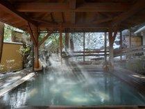 冬の露天風呂 花見の湯 檜風呂