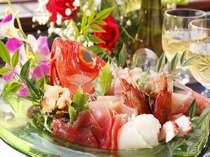 【食事】夕食のコースには新鮮なお造り盛りも(金目鯛尽くし)