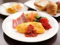 【朝食】熱々のオムレツで元気をチャージ