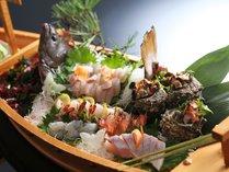 丹後の新鮮な地魚を舟盛りでどうぞ(ご両親などとのお祝いの席にぴったり)