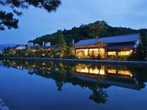 天橋立運河に佇む「文珠荘」