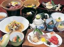 企画以外のお料理は、より季節感を感じる地産と山海の味比べ!すべて手造りのお料理です。