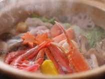 富山湾の海の幸と地物野菜の贅沢鍋。あったか湯気も冬に嬉しいご馳走です