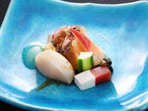 【旬彩膳】酢物:蒸し鮑と夏野菜 生姜酢掛け