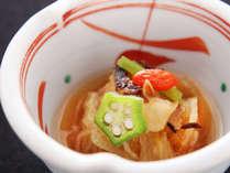【せせらぎ膳】小附:さざえと糸瓜素麺