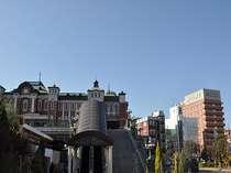 ☆左がレトロな深谷駅、右がホテル。レンガの街、深谷ならではの赤レンガ調造り