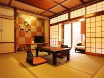 ・すずらん 露天風呂付客室 レトロな造りのお部屋でのんびりとお寛ぎください。