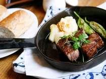 ◎夕食シリーズ◎A5ランク栃木牛のステーキだね♪おいしくってお顔が「おいひィ~」になっちゃいます♪